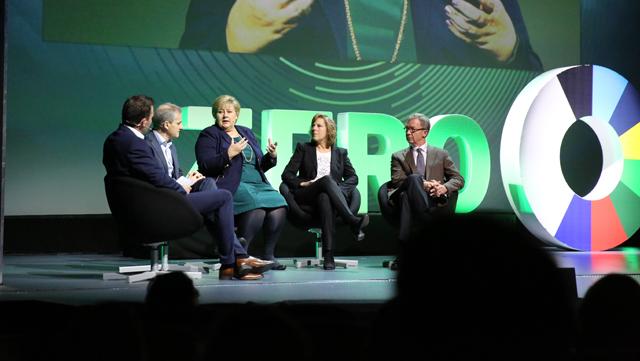 Ekspertutvalget for grønn konkurransekraft i samtale med Solberg og Støre under årets Zerokonferanse.