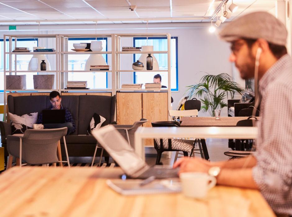 Et urbant «New Generation Pine»-miljø i tre, skreddersydd for unge, urbane mennesker.