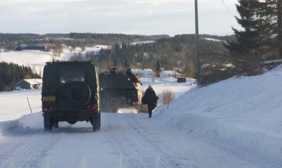 Militærkjøretøy i forbindelse med øvelsen Cold Response i 2016