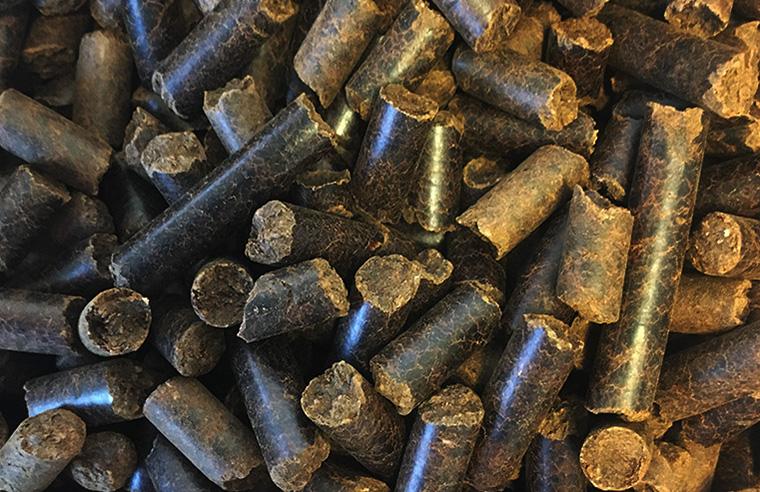 De norskutviklede mørke Arbacore-pelleten. Foto: Arbaflame