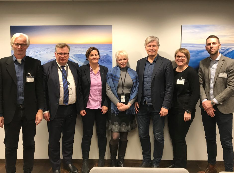VERDIKJEDEN I MØTE: Fra venstre Nils Bøhn, Atle Hamar, Benthe Løvenskiold, Heidi Finstad, Ola Elvestuen, Marit Holtermann Foss og  Håvard Almås.