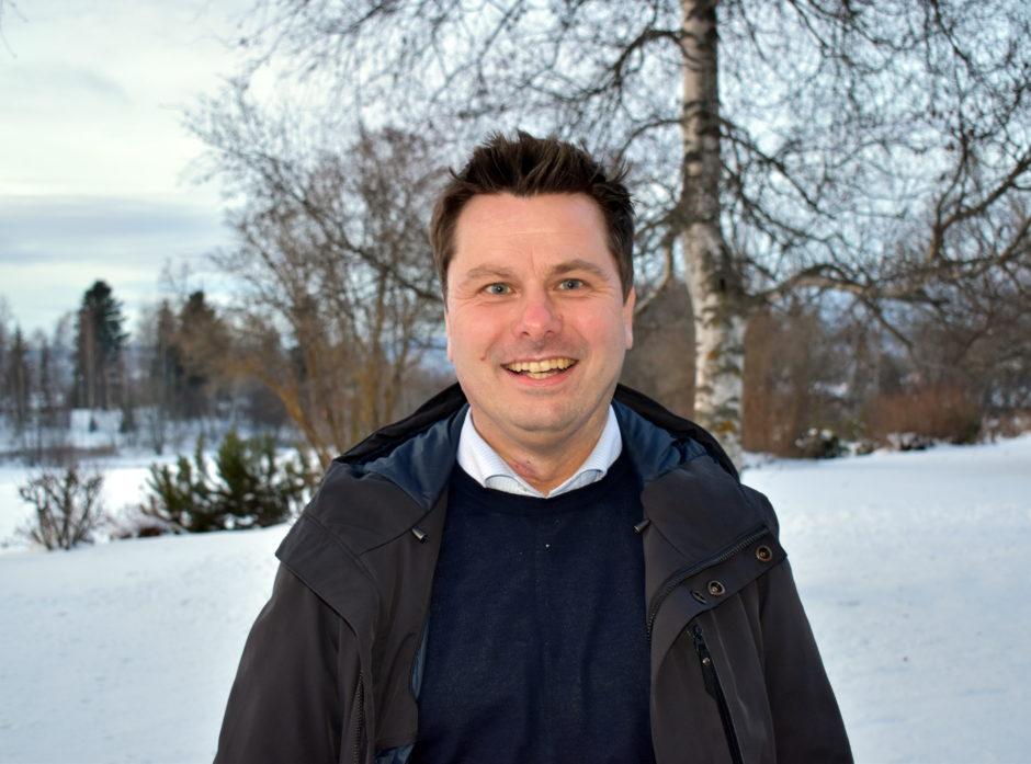 Tor Henrik Kristiansen, daglig leder i Viken Skog, oppfordrer alle tømmerintereserte om å ta turen til Sundvolden. Foto: Viken Skog.