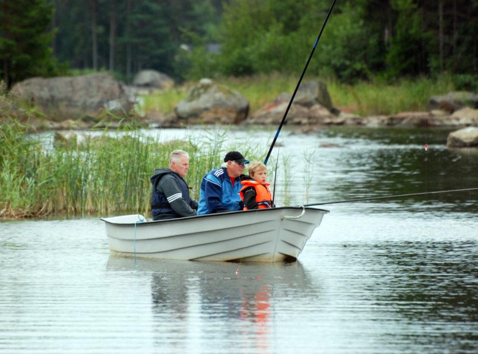 Departementet foreslår blant annet endringer i bruk av el-motor på vann. Bilde: Mostphotos.
