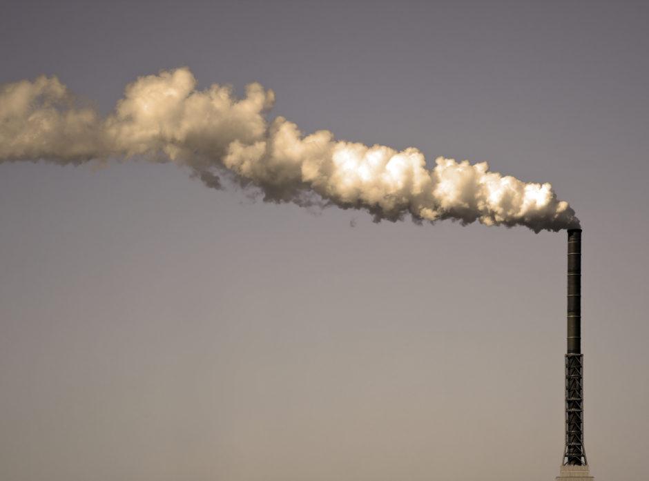 Bruk og forbrenning av fossile ressurser har ført til global oppvarming. Foto: Colourbox